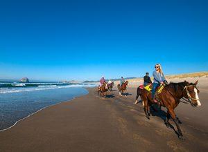 oregon coast horseback riding