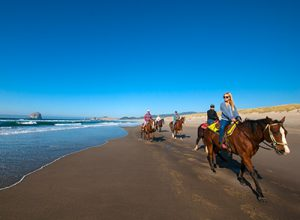 oregon coast horseback riding