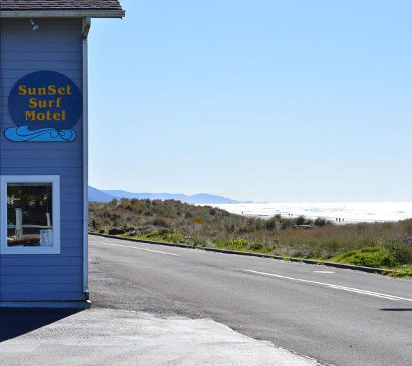 Manzanita SunSet Surf Motel
