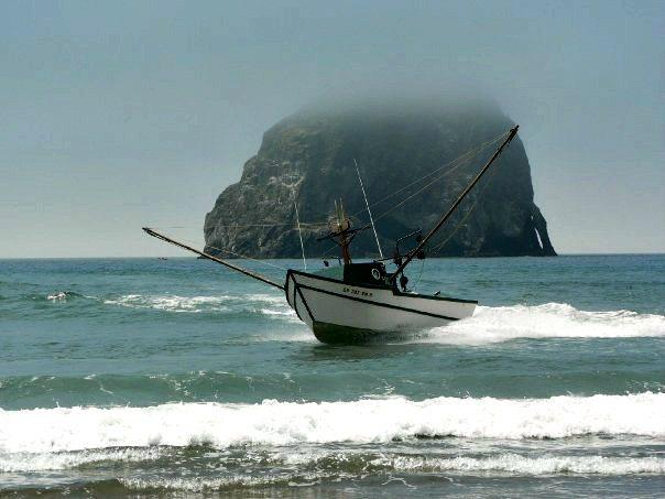 Oregon coast travel blog things to do on the oregon coast for Dory fishing fleet