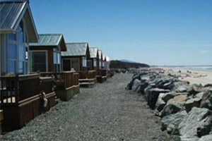 A row of homes overlooking the beach